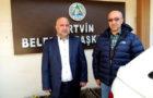 Disk Genel-İş Artvin Şubesi Başkanı Selim Bilgin, Artvin Belediyesi'nde çalışan işçiler için yetkili sendika olarak toplu görüşmelere devam edildiğini belirtti. Başkan Bilgin, Artvin Belediyesi'nin taşeron işçilerine baskı yapılarak sendika deştirmeleri için çalışanların tehdit edildiğini iddia etti.