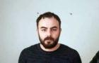 Hopa ilçesinde, 2.5 yıl önce küfürlü ve yüksek sesle konuştukları için kendilerini uyaran taksi şoförü İshak Köse'yi (25) tabancayla vurarak öldürdüğü iddiasıyla aranan ve geçen yıl Gürcistan'ın başkenti Tiflis'te yakalanan Kenan Kamburoğlu, Türk makamlarına teslim edildi. Kamburoğlu, çıkarıldığı mahkemece tutuklandı.
